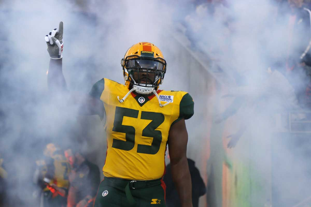 arizona hotshots player running on field
